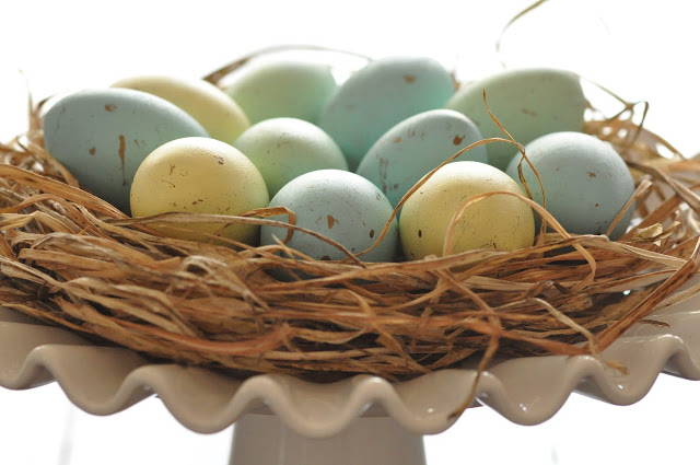 {TUTORIAL} painted easter eggs & nest