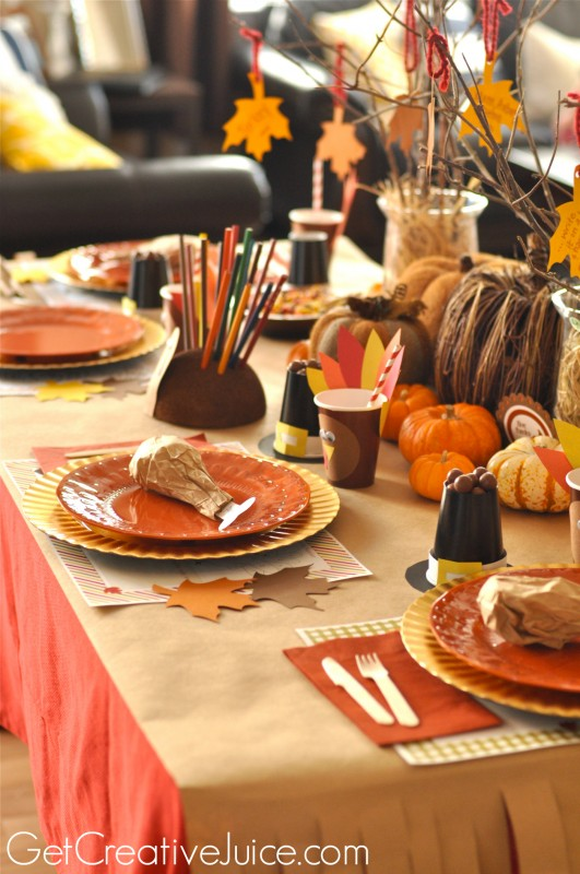 Thanksgiving Kids Table Ideas and Tutorials
