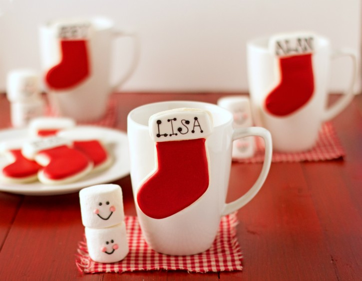 Simple Red and White Stocking Place Card Cookies via www.thebearfootbaker.com