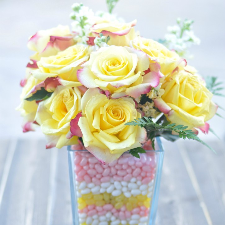 How To Make A Layered Candy Filled Vase With Flowers Creative Juice