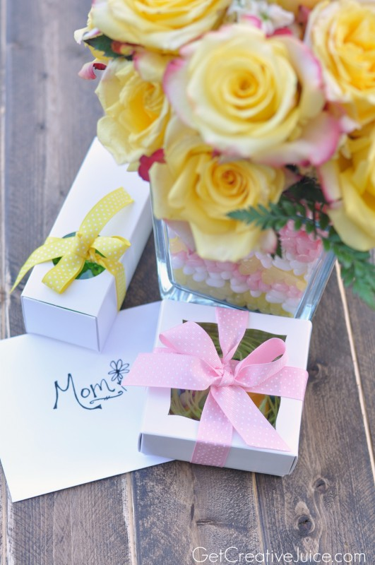 ideas for mother's day gifts - layered candy vase with flowers