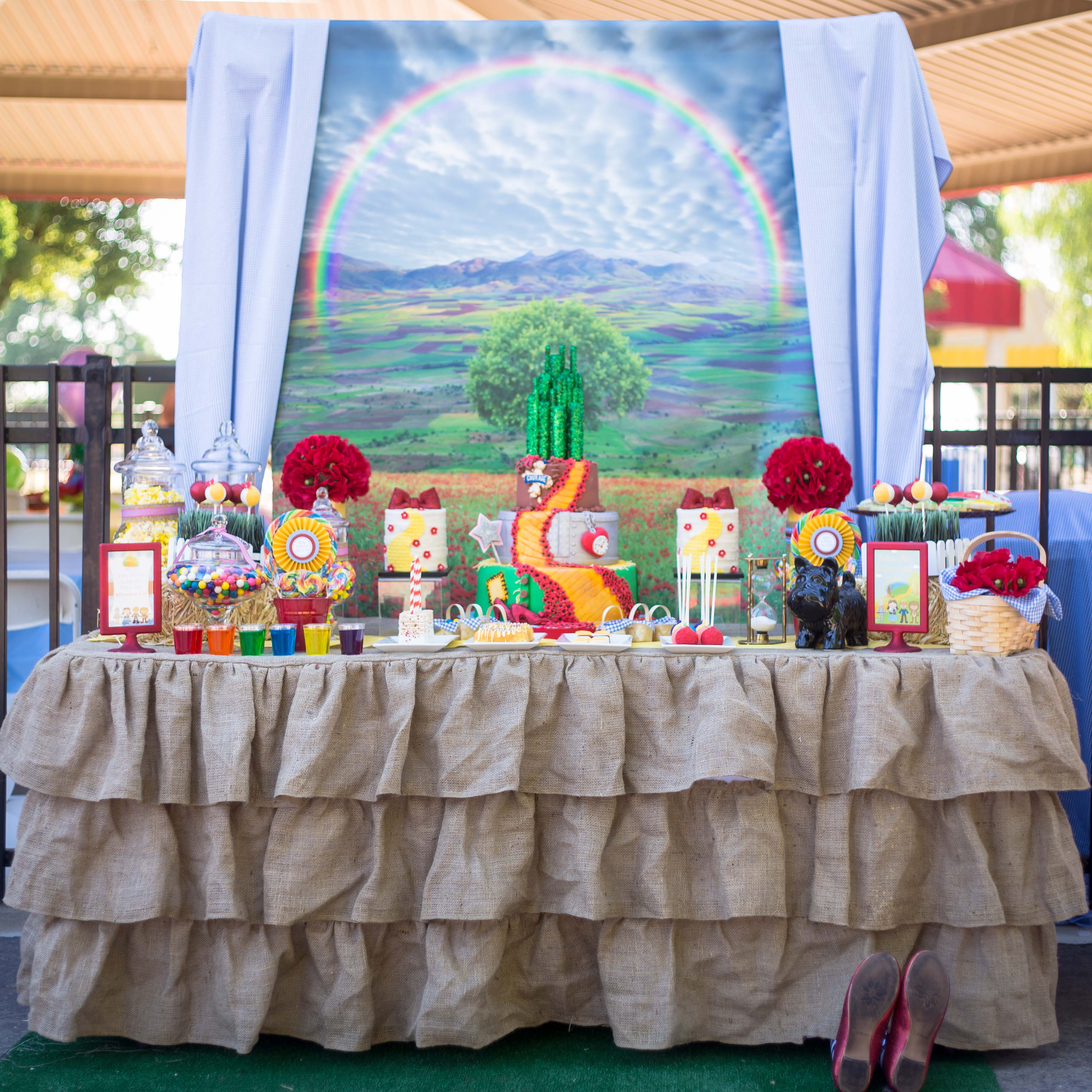Wizard Of Oz Party Decorations Party Wizard Of Oz Party Creative Juice