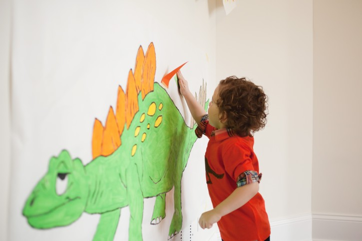 Dinosaur Party, Pin the tail on the Dinosaur game