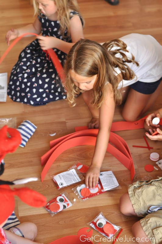 How to make Crab Party hats