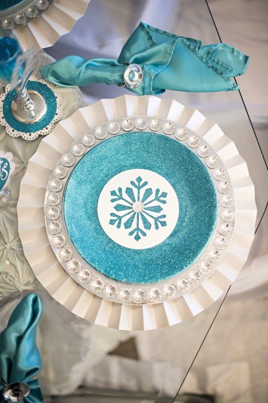 Sparkly Frozen Party, Glitter, Glass, Sparkles, Elsa, Table place setting, Snowflakes
