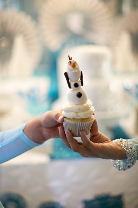 Sparkly Frozen Party, Glitter, Glass, Sparkles, Olaf Cupcake