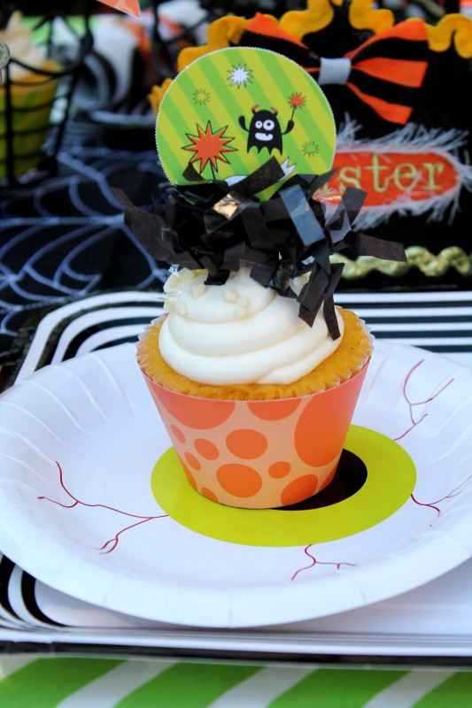 Monster Mash, Halloween, googly eyes, boo, cupcakes, fringe toppers