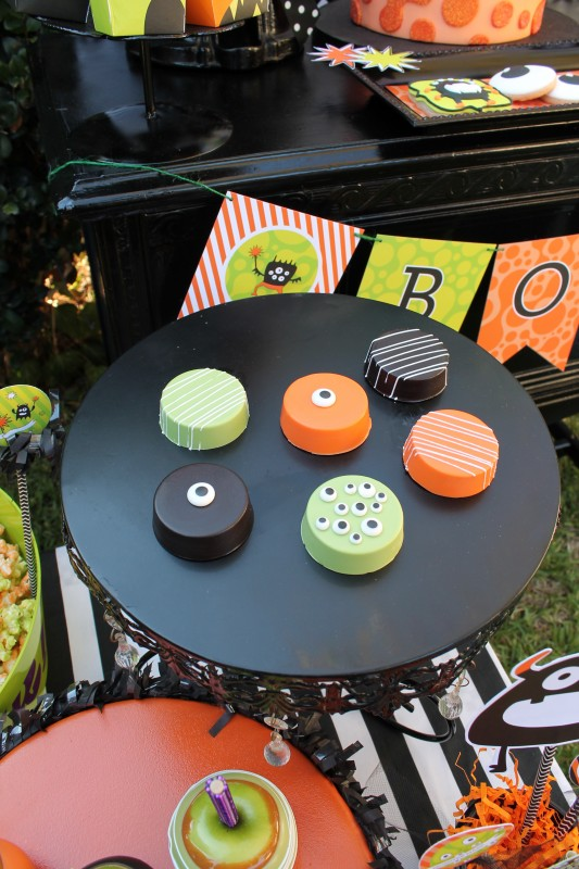 Monster Mash, Halloween, googly eyes, boo banner, chocolate covered oreos