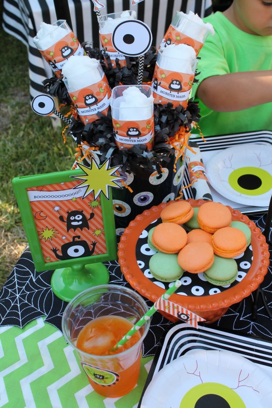 Monster Mash, Halloween, googly eyes, eye plates, cotton candy, macarons