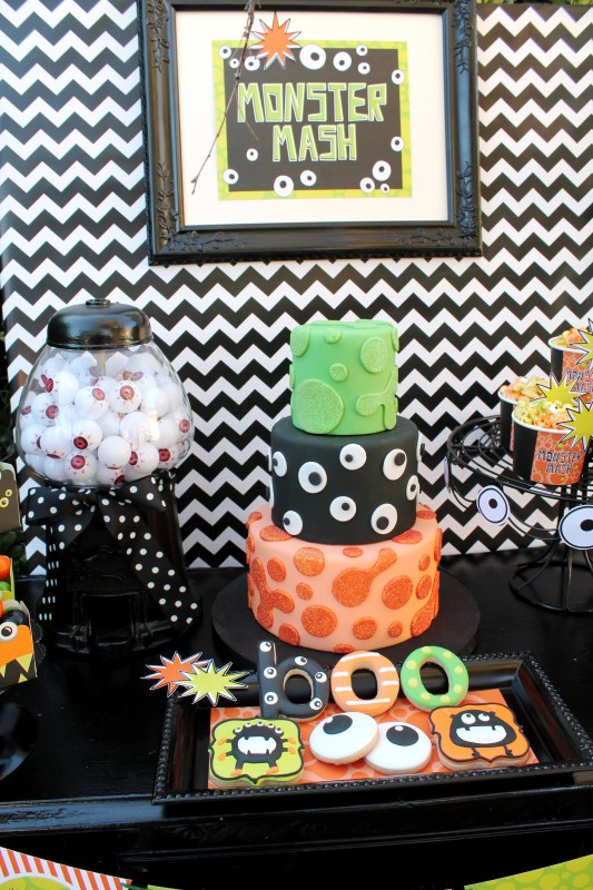 Monster Mash, Halloween, googly eyes, boo, eyeballs, slime, cake, cookies