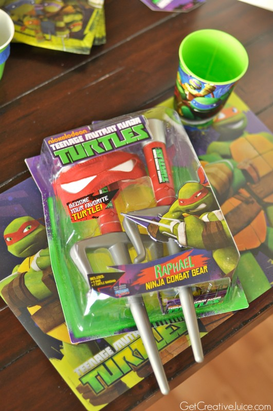 TMNT party favors - Dress up, placemat and cups