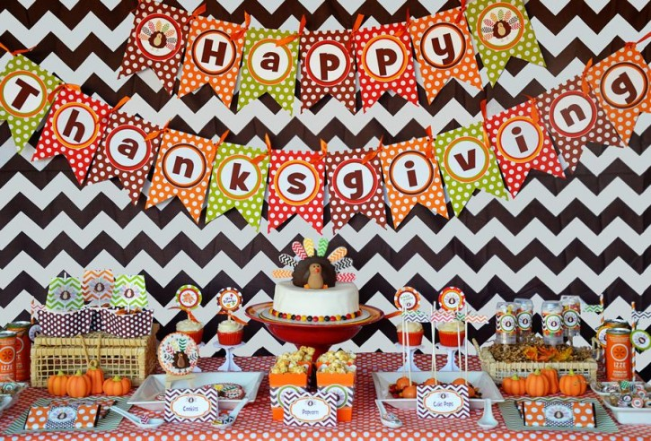 1 Crafty Kids Chevron Thanksgiving, Table Set up