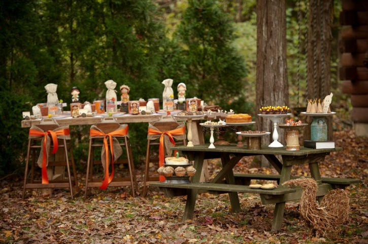 Rustic backyard kids thanksgiving, table set up, kids table, picnic table