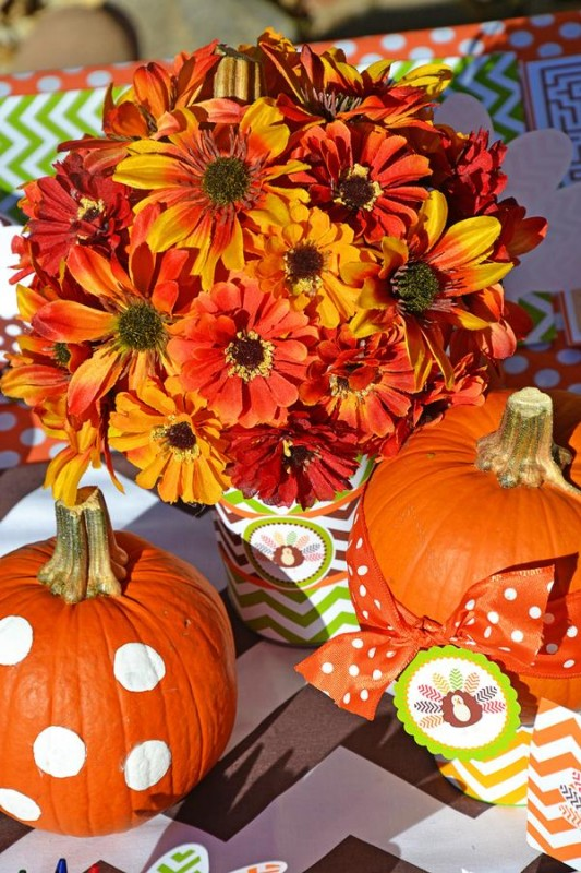 Crafty chevron kids thanksgiving table ideas Flower painted pumpkins