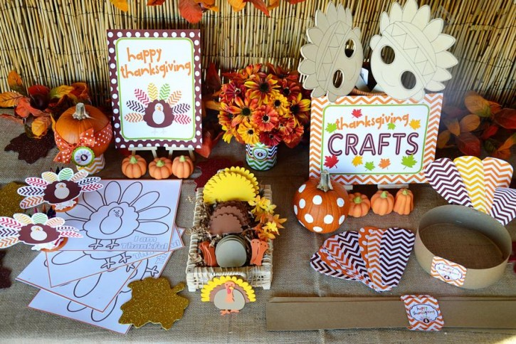 14  Crafty Kids Chevron Thanksgiving, Crafts Table Set up