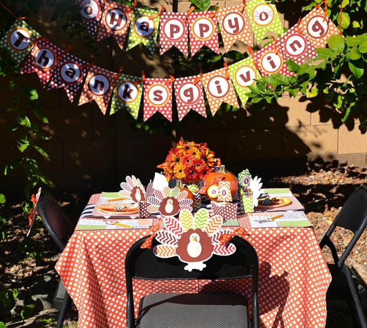 15  Crafty Kids Chevron Thanksgiving, Kids table, Activity Placemat, Thanksgiving Banner