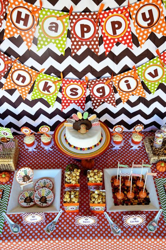 22 Crafty Kids Chevron Thanksgiving, dessert table