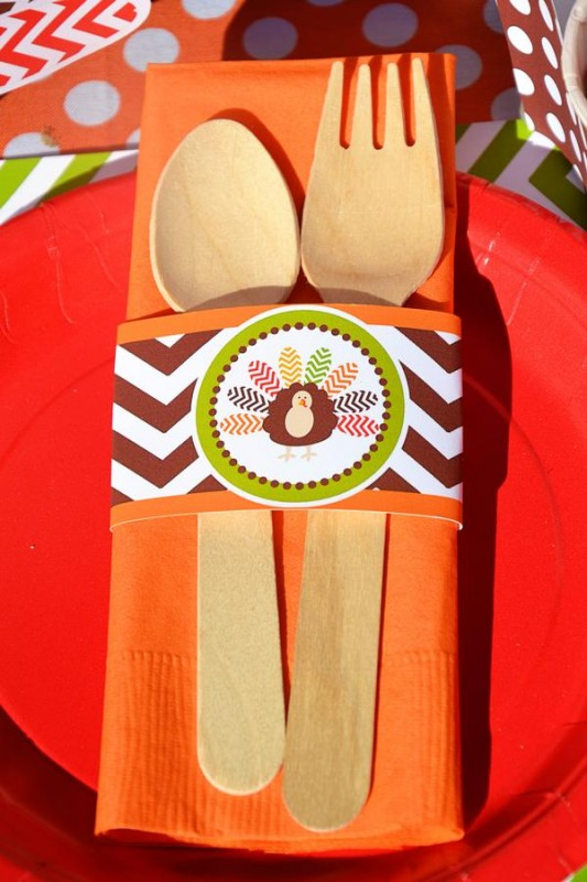 6 Crafty Kids Chevron Thanksgiving, Utensils with Turkey wrapper