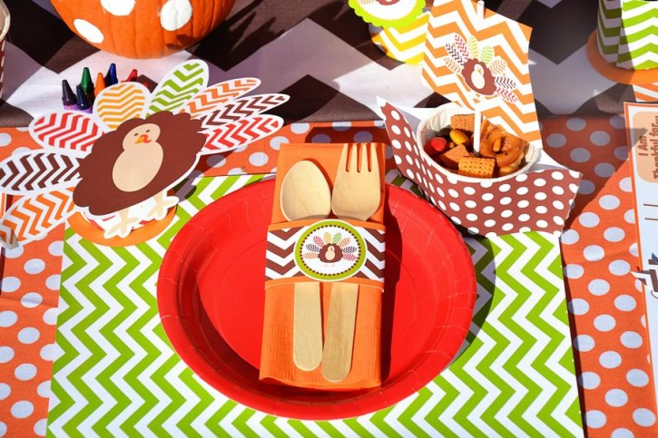 6 Crafty Kids Chevron Thanksgiving, Utensils with Turkey wrapper, Pilgrims Ship container, Turkey Crayons
