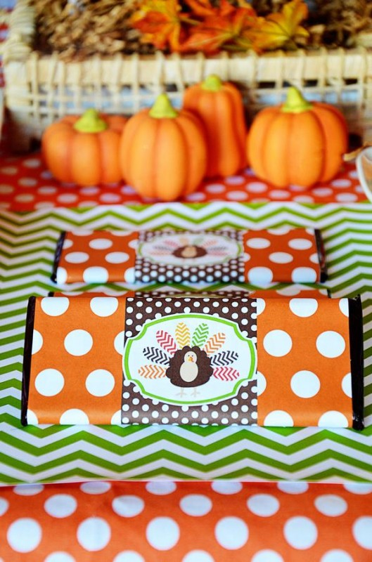 7 Crafty Kids Chevron Thanksgiving, Candy Bar Turkey Wrappers