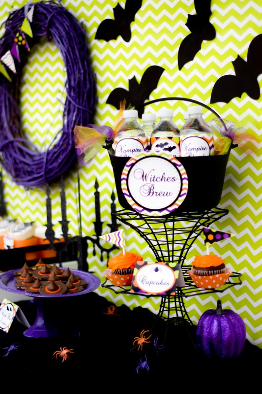 spooktacular halloween party, witches brew, vampire blood drink, black bats, mini bunting, chevron backdrop, cupcakes