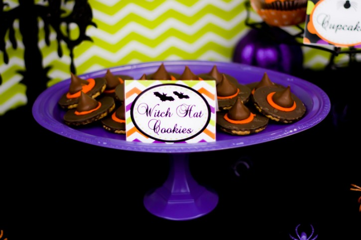 spooktacular halloween party, Witches Hat Cookies, purple cake plate