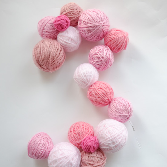 DIY Yarn Ball Number Sign Tutorial