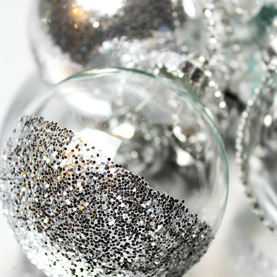 DIY: Ideas to Decorate Clear Ornaments