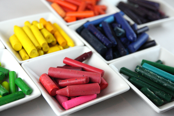 6 ways to reuse broken crayons DIY