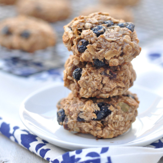 Easy, 3 Ingredient Healthy Oatmeal Cookies