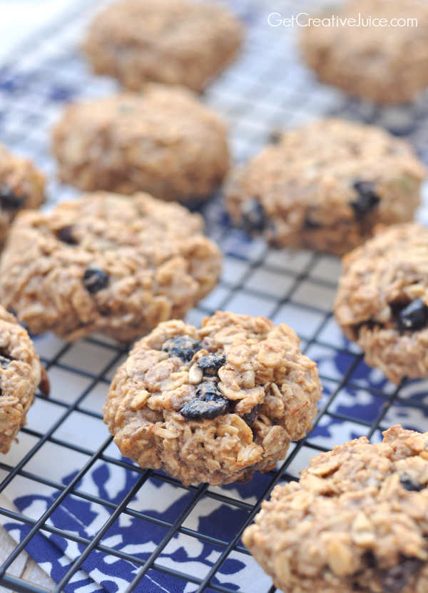healthy oatmeal cookies with three ingredients