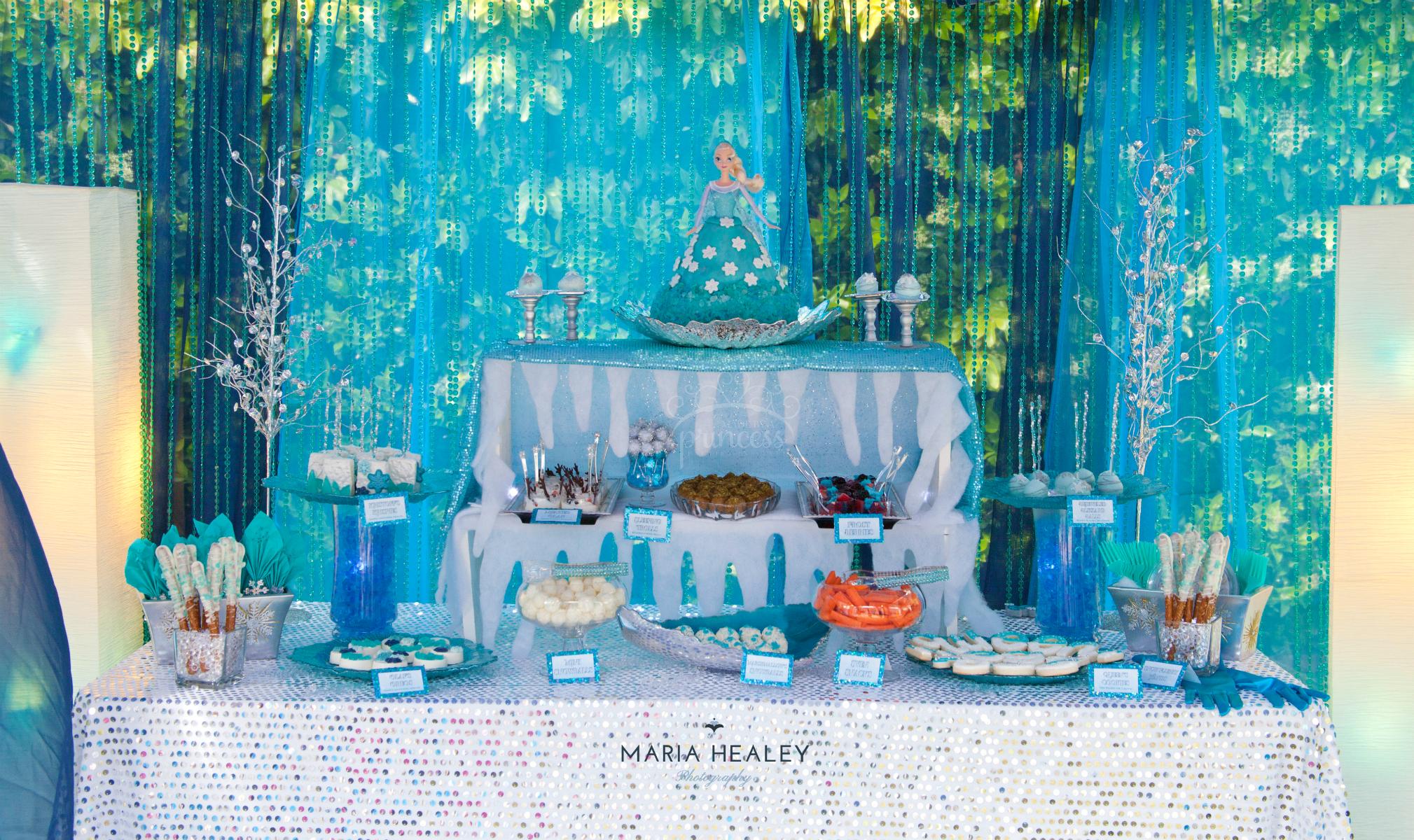 frozen party ideas - a frozen birthday party! - creative juice Frozen Decoration Ideas