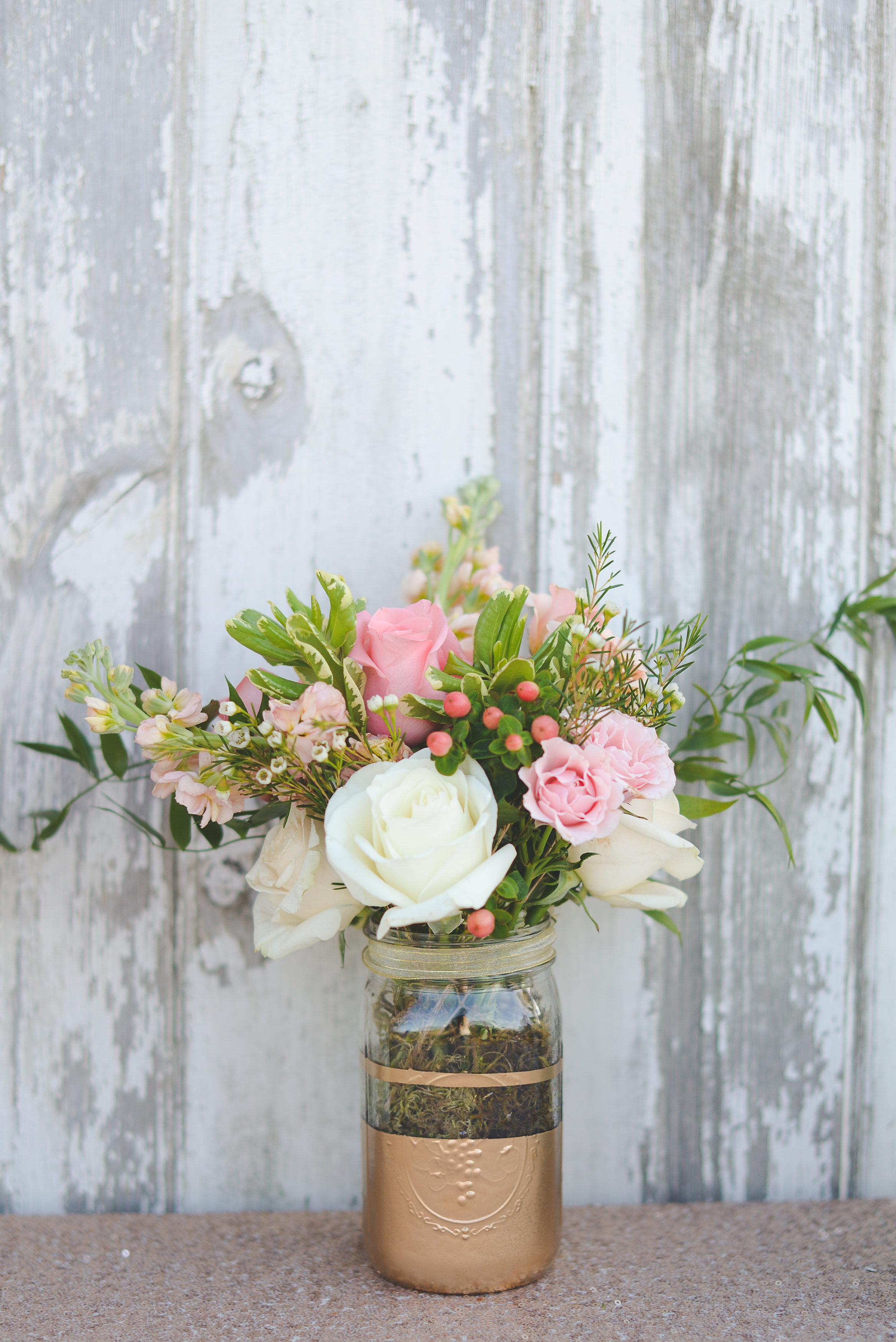Elegant Rustic Floral Centerpieces – Wedding